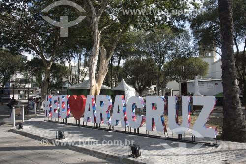 Letreiro Eu Amo Aracruz na Praça Monsenhor Guilherme Schmitz - Aracruz - Espírito Santo (ES) - Brasil