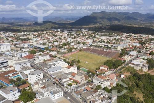 Foto feita com drone do campo de futebol do Esporte Clube Aracruz - Aracruz - Espírito Santo (ES) - Brasil
