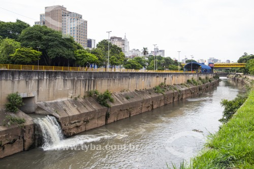 Foz do Córrego do Glicério no Rio Tamanduateí - São Paulo - São Paulo (SP) - Brasil
