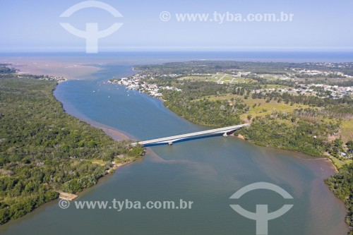 Foto feita com drone de ponte da Rodovia ES-10 sobre o Rio Piraquê-Açu - Aracruz - Espírito Santo (ES) - Brasil