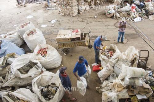 Galpão de recebimento de reciclaveis e sucata - Santa Maria de Jetibá - Espírito Santo (ES) - Brasil
