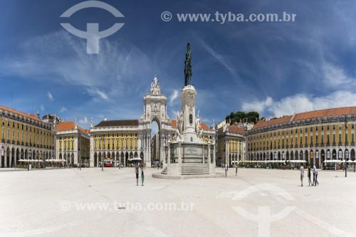 Praça do Comércio com o Arco da Rua Augusta (1875) ao fundo - Lisboa - Distrito de Lisboa - Portugal