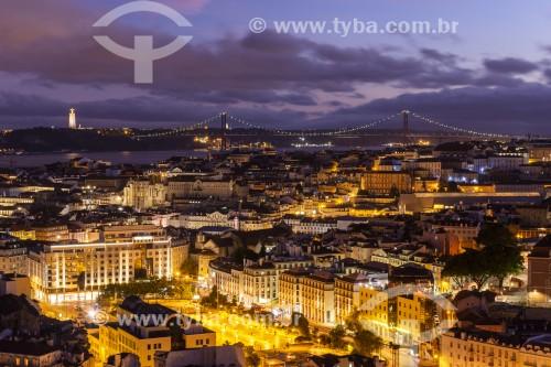 Vista noturna de Lisboa à partir do Miradouro da Senhora do Monte - Lisboa - Distrito de Lisboa - Portugal