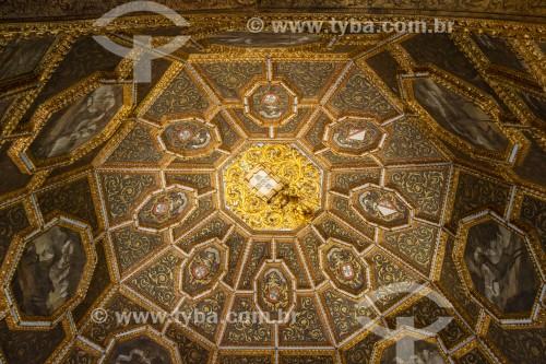 Detalhe do teto da Sala dos Brasões no Palácio Nacional de Sintra - Concelho de Sintra - Distrito de Lisboa - Portugal