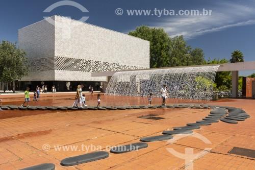 Prédio moderno do Oceanário de Lisboa - Parque das Nações - Lisboa - Distrito de Lisboa - Portugal