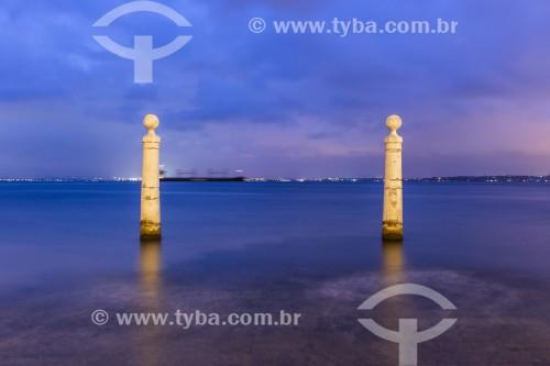 Cais das Colunas no Rio Tejo - Lisboa - Distrito de Lisboa - Portugal