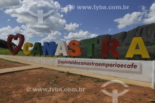 Letreiro Eu Amo Canastra - Serra da Canastra ao fundo - São Roque de Minas - Minas Gerais (MG) - Brasil