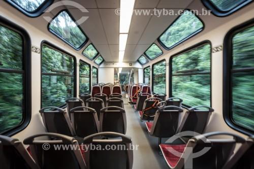 Interior do Trem na Estrada de Ferro do Corcovado - fazendo a travessia entre Cosme Velho e o Morro do Corcovado - Rio de Janeiro - Rio de Janeiro (RJ) - Brasil