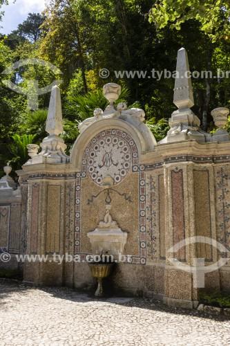 Fonte no jardim da Quinta da Regaleira - Concelho de Sintra - Distrito de Lisboa - Portugal