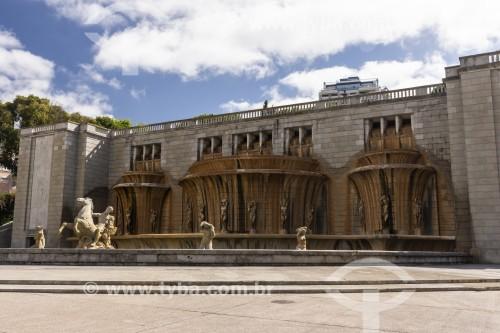 Fonte Monumental na Alameda Dom Afonso Henriques, conhecida como Fonte Luminosa - Lisboa - Distrito de Lisboa - Portugal