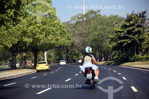 Tráfego na Avenida Infante Dom Henrique - Rio de Janeiro - Rio de Janeiro (RJ) - Brasil