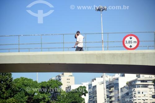 Passarela sobre a Avenida Infante Dom Henrique - Rio de Janeiro - Rio de Janeiro (RJ) - Brasil