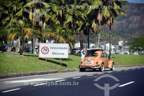 Fusca na Avenida Infante Dom Henrique - Rio de Janeiro - Rio de Janeiro (RJ) - Brasil