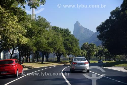 Tráfego na Avenida Infante Dom Henrique com o Cristo Redentor ao fundo - Rio de Janeiro - Rio de Janeiro (RJ) - Brasil