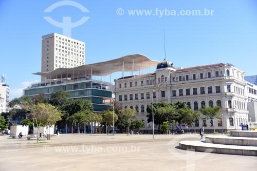 Vista da fachada do Museu de Arte do Rio (MAR)  a partir da Praça Mauá - Rio de Janeiro - Rio de Janeiro (RJ) - Brasil