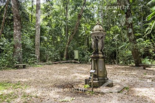 Monumento histórico (Fonte Wallace) no Jardim dos Manacás - Floresta da Tijuca - Rio de Janeiro - Rio de Janeiro (RJ) - Brasil