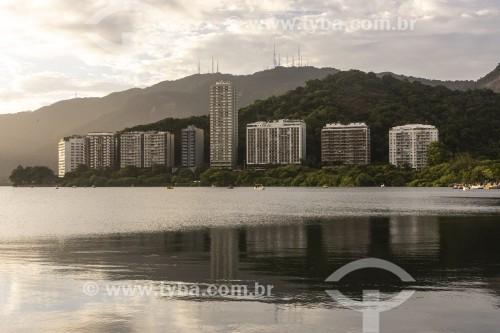 Lagoa Rodrigo de Freitas com antenas do Sumaré ao fundo  - Rio de Janeiro - Rio de Janeiro (RJ) - Brasil