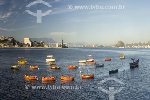 Vista da Baía de Guanabara a partir da Praça XV de Novembro no local conhecido no século XIX como Cais Pharoux  - Rio de Janeiro - Rio de Janeiro (RJ) - Brasil