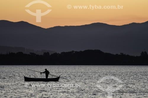 Entardecer na Lagoa de Ibiraquera - Imbituba - Santa Catarina (SC) - Brasil