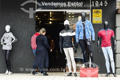 Comércio de rua na véspera do Dia dos Pais durante a crise do coronavírus - Capão da Canoa - Rio Grande do Sul (RS) - Brasil