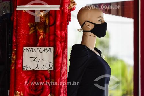 Manequim de loja com máscara de proteção - Crise do Coronavírus - Capão da Canoa - Rio Grande do Sul (RS) - Brasil