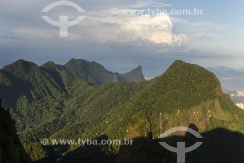 Vista do Cristo Redentor e de montanhas do Maciço da Tijuca a partir da Pedra Bonita no Parque Nacional da Tijuca  - Rio de Janeiro - Rio de Janeiro (RJ) - Brasil