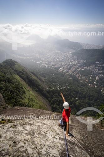 Alpinista durante a escalada no Morro do Corcovado - Rio de Janeiro - Rio de Janeiro (RJ) - Brasil