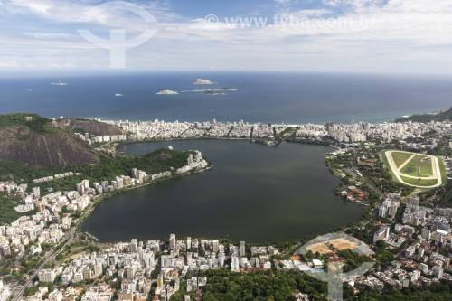 Vista da Lagoa Rodrigo de Freitas a partir do topo do Morro do Corcovado - Rio de Janeiro - Rio de Janeiro (RJ) - Brasil