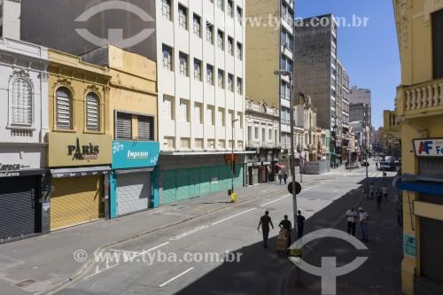 Foto feita com drone da Rua 25 de Março com as lojas fechadas devido a quarentena imposta pelo Covid-19 - São Paulo - São Paulo (SP) - Brasil