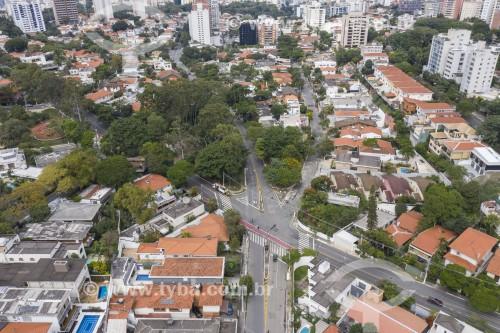 Foto feita com drone do cruzamento das ruas João Moura e Abegoaria - São Paulo - São Paulo (SP) - Brasil