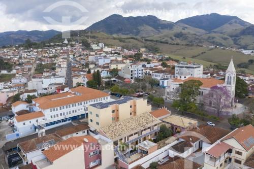 Foto feita com drone da Igreja Matriz São José na Praça Getúlio Vargas - Paraisópolis - Minas Gerais (MG) - Brasil