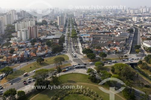 Foto feita com drone da Avenida Dom Pedro I - Riacho do Ipiranga canalizado à direita - São Paulo - São Paulo (SP) - Brasil