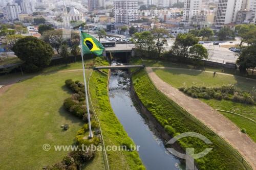 Foto feita com drone do Riacho do Ipiranga na altura do Monumento à Independência do Brasil - São Paulo - São Paulo (SP) - Brasil