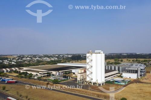 Foto feita com drone de fábrica da cerveja Heineken - Araraquara - São Paulo (SP) - Brasil