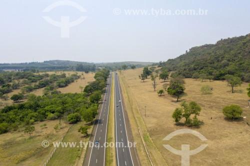 Foto feita com drone da da Estrada Municipal Manoel Nunes (SCA-050) - Brotas - São Paulo (SP) - Brasil