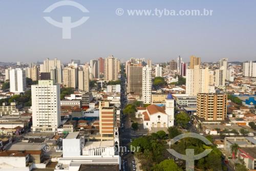 Foto feita com drone do centro da cidade com a Catedral de Nossa Senhora das Dores - Limeira - São Paulo (SP) - Brasil