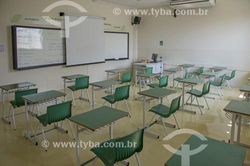 Sala de aula de colégio particular com distânciamento entre carteiras em função da crise do Coronavírus - Sorocaba - São Paulo (SP) - Brasil
