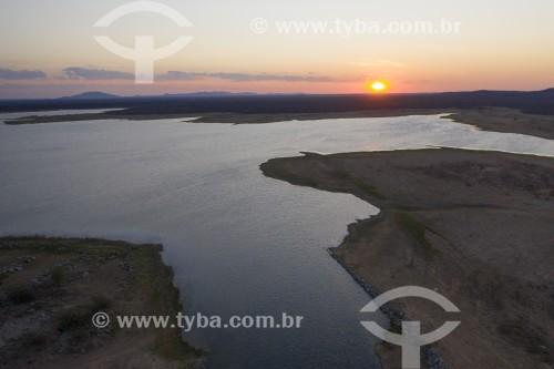 Foto feita com drone do por do sol no Reservatório Tucutú da Transposição do Rio São Francisco - eixo norte - Cabrobó - Pernambuco (PE) - Brasil