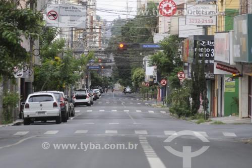 Rua Bernardino de Campos durante o período de lockdown adotado na cidade - Crise do Coronavírus - São José do Rio Preto - São Paulo (SP) - Brasil