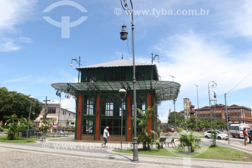 Praça Adalberto Vale e o Pavilhão Universal no Centro Histórico de Manaus - Manaus - Amazonas (AM) - Brasil