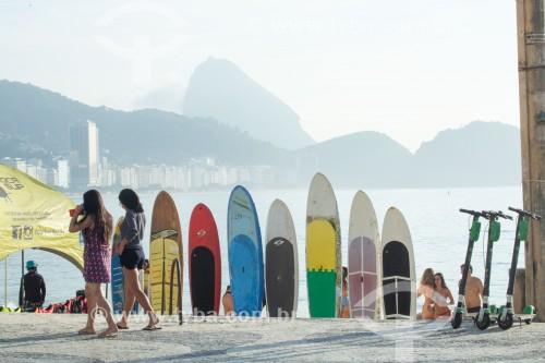 Pranchas de stand up paddle no Posto 6 - Rio de Janeiro - Rio de Janeiro (RJ) - Brasil