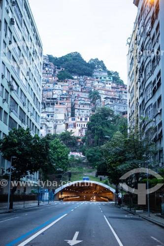Favela do Cantagalo visto da Rua Raul Pompéia com o Túnel Sá Freire Alvim - Rio de Janeiro - Rio de Janeiro (RJ) - Brasil