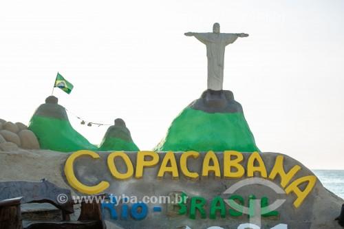 Escultura de areia representando o Cristo Redentor e o Pão de Açúcar -  Praia de Copacabana - Rio de Janeiro - Rio de Janeiro (RJ) - Brasil
