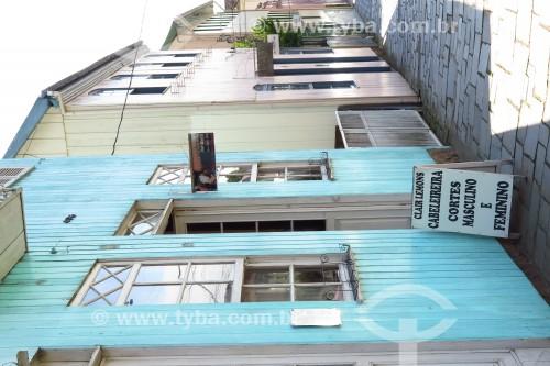 Detalhe da fachada de salão de beleza - Antônio Prado - Rio Grande do Sul (RS) - Brasil