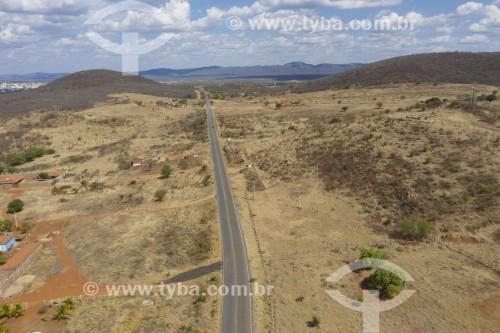 Foto feita com drone da Rodovia PE-418 na altura de Serra Talhada - Serra Talhada - Pernambuco (PE) - Brasil