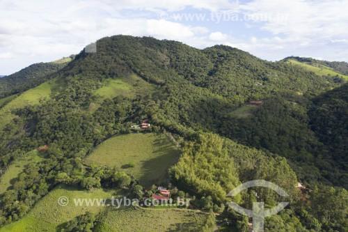 Foto feita com drone de casa na zona rural de São José dos Campos - São José dos Campos - São Paulo (SP) - Brasil