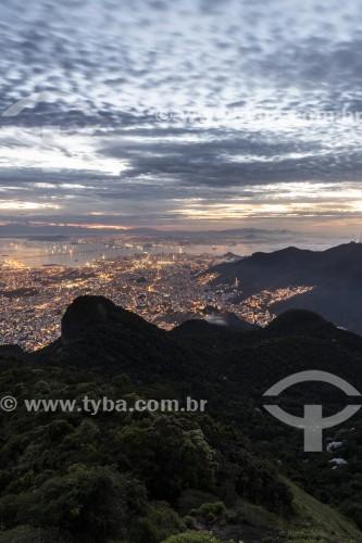 Vista noturna da cidade a partir do Pico da Tijuca - Parque Nacional da Tijuca - Rio de Janeiro - Rio de Janeiro (RJ) - Brasil