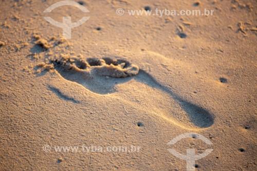 Marca de pé na areia da praia de Copacabana - Rio de Janeiro - Rio de Janeiro (RJ) - Brasil