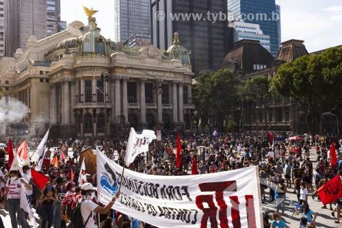 Manifestação contra o Presidente Jair Bolsonaro na Cinelândia - Rio de Janeiro - Rio de Janeiro (RJ) - Brasil