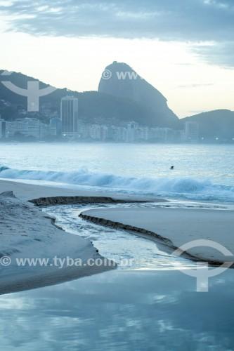 Língua negra na Praia de Copacabana  - Rio de Janeiro - Rio de Janeiro (RJ) - Brasil